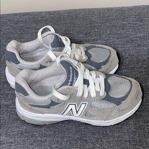 Boys New balance tennis shoes